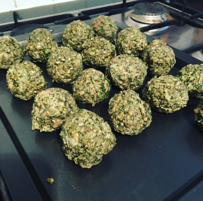 Mushroom and spinach meatballs