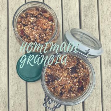 Homemade granola - sugar free, dairy free